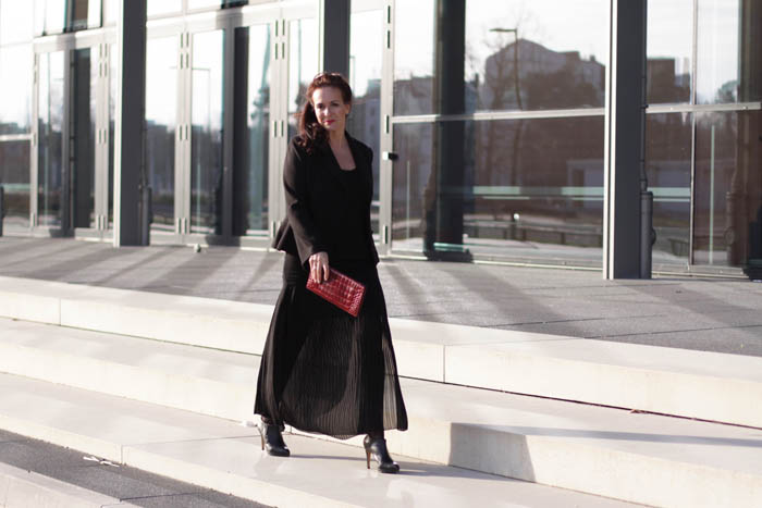 Nürnberg Messe, Silvester, Silvester 2015, Happy new year, diana Paul, the beautiful unnecessary, Glamour, black, red, Daniel Wellington, red carpet, red lipstick, High Heels