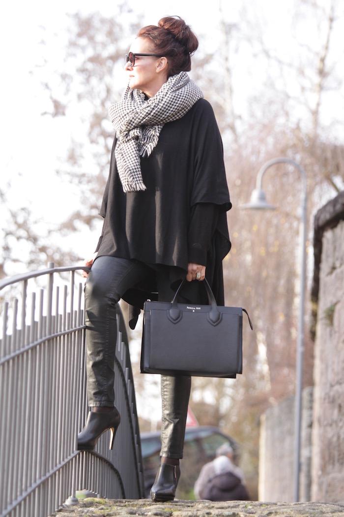 Fashion, black, style, peptia, patrizia pepe, leather, new shoes, the-b-u, the beautiful unnecessary, diana paul, Zara, michael kors