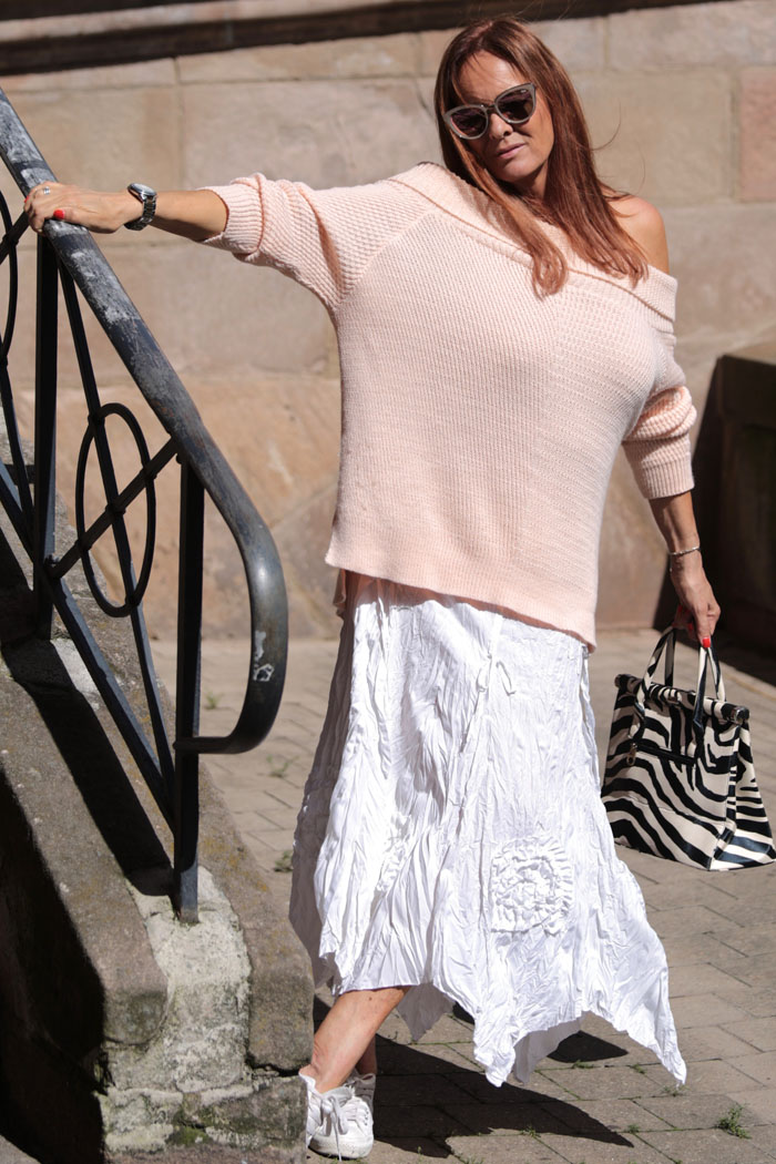 Papillottes, the beautiful unnecessary, Asos, Fashion, Offshoulder, rosa, maison-pazi, zebra look, quayaustralia, quay, fashionblogger Diana, Diana Paul, Allstars, Thomas Sabo, Iphoria
